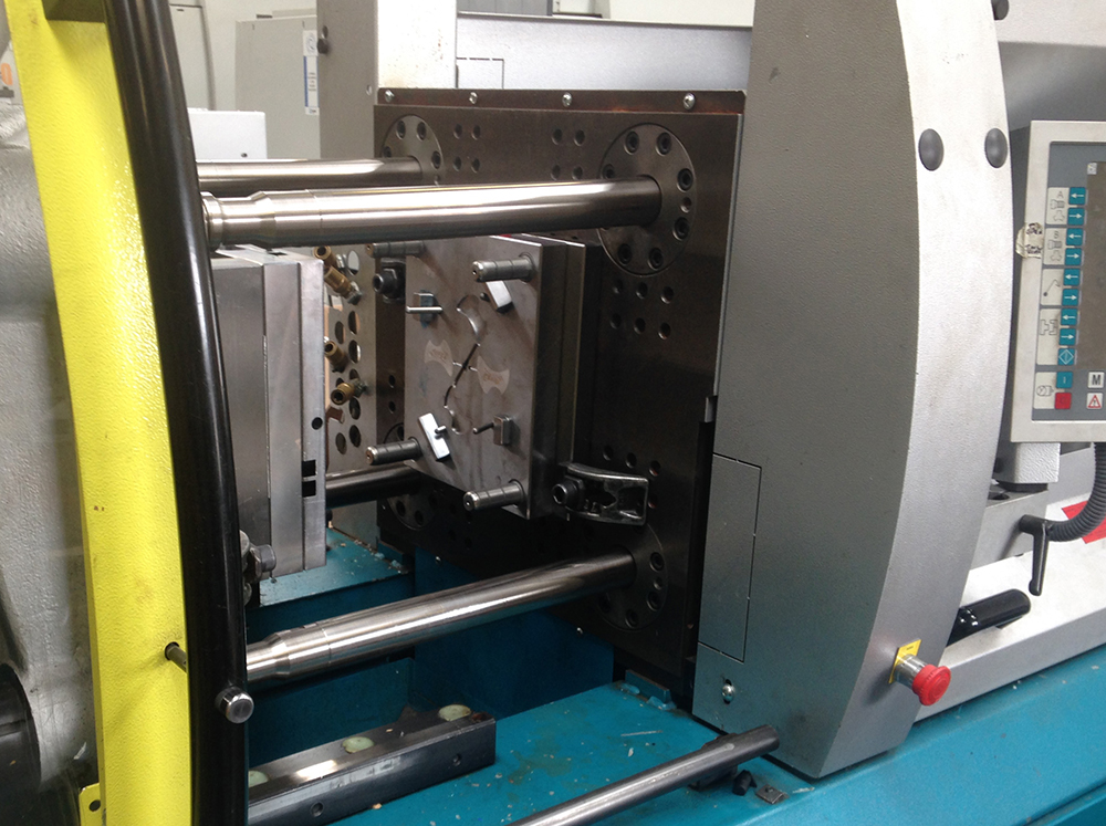 injection moulding a tape dispenser